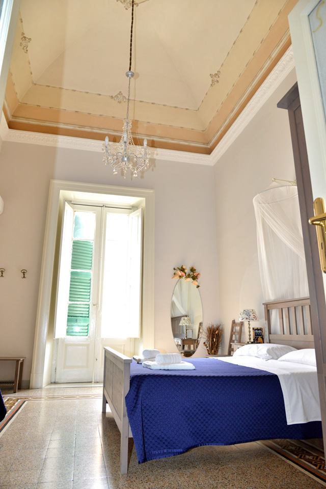Le Camere Cavour Bed And Breakfast A Taranto Beb Museo B B A Taranto In Pieno Centro
