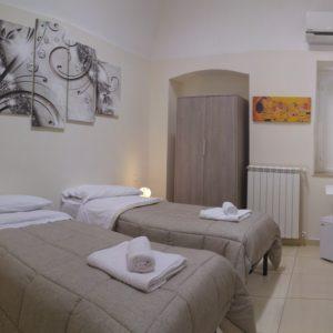 ambiente piccolo con lavabo Casa Marta